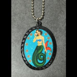 Pin Up Cameo Necklace - Mermaid with Conche